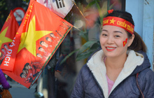 """Những tuyến phố được """"nhuộm"""" đỏ, hàng triệu CĐV cả nước đã sẵn sàng cùng U22 Việt Nam cháy hết mình với chung kết SEA Games 30"""