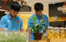 U22 Việt Nam dùng bữa vội lúc nửa đêm tại khách sạn sau khi giành chức vô địch SEA Games 30