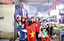 """Tiểu thương Đà Nẵng treo cờ kín chợ, nghỉ bán sớm để """"đi bão"""" cổ vũ U22 Việt Nam"""
