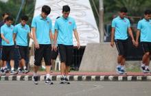 [Chung kết SEA Games 30] Việt Nam vs Indonesia: Các cầu thủ Việt Nam đi bộ thả lỏng trước giờ thi đấu