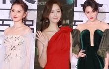 """2 thảm đỏ khủng """"gây nổ"""" Macau: Yoona đẹp băng thanh ngọc khiết, mẹ bỉm sữa Trương Hinh Dư sexy ngút ngàn"""