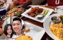 Người yêu Văn Hậu - Hoàng Đức được bắt gặp sang Philippines xem bóng, còn check - in đi ăn chung này: Có bạn trai đá SEA Games thích thật!