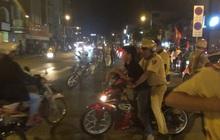 """Gần 100 người đi """"bão"""" ở trung tâm Sài Gòn bị CSGT xử lý sau khi Việt Nam vô địch SEA Games 30"""