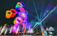 Trực tiếp bế mạc SEA Games 30: Đoàn thể thao Việt Nam vẫy tay chào khán giả