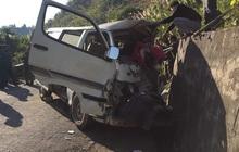 Xe chở đoàn thiện nguyện đâm vào vách núi, 2 người tử vong, 6 người bị thương