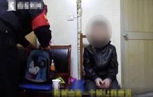 Bé trai Trung Quốc 10 tuổi bị bắt đi ăn xin ở ga vì không làm bài tập