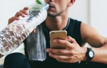 Mải chơi PUBG Mobile, thanh niên uống nhầm nước và cái kết đầy tan thương