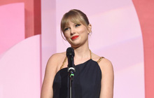 """Taylor Swift ca ngợi Lana Del Rey, """"dằn mặt"""" Scooter Braun trực tiếp ngay trên sân khấu nhận giải """"Phụ Nữ Thập Kỷ"""" đầu tiên của Billboard"""