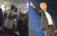 """Hình ảnh khiến hội F.A """"nhức nhối"""" tại concert EXO: Nếu bạn không cao, hãy kiếm một người yêu đủ cao để đi concert!"""