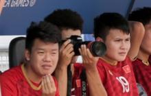 Đức Chinh thử tài làm nhiếp ảnh gia ở Philippines
