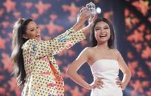 """Thu Minh, Trọng Hiếu diễn cực sung, cùng H'Hen Niê và dàn thí sinh tổng duyệt trước """"giờ G"""" chung kết Hoa hậu Hoàn vũ"""