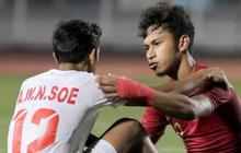 Cầu thủ U22 Indonesia để lại hình ảnh đẹp với đối phương dù trước đó là những màn cà khịa, kẹp cổ nhau