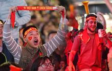 """U22 Việt Nam đả bại U22 Campuchia với 4 bàn không gỡ, CĐV sung sướng reo hò: """"Vô chung kết thôi bà con"""""""