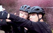 Jaemin và Jeno (NCT) cũng bắt trend nhiệt tình, rủ nhau đi chụp ảnh check in với đồng cỏ hồng và cỏ lau cực hot ở Hàn Quốc