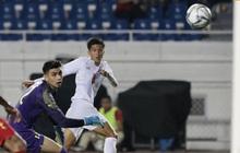 """Mắc sai lầm ngớ ngẩn, thủ thành đẹp trai của U22 Indonesia suýt """"biếu"""" cho tấm vé vào chung kết SEA Games 30 cho đối thủ"""