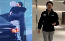 Hình ảnh xúc động nhất hôm nay: Kim Woo Bin tổ chức fanmeeting sau 2 năm điều trị ung thư, ôm chầm vệ sĩ mếu máo