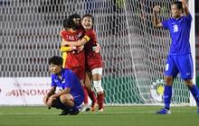"""Thua 2 trận chung kết liên tiếp, HLV Thái Lan vẫn nói cứng: """"Tuyển nữ Việt Nam không mạnh hơn chúng tôi"""""""