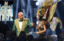 MC Steve Harvey lặp lại sự cố 2015 khi công bố nhầm kết quả giải Quốc phục trong đêm chung kết Miss Universe 2019?