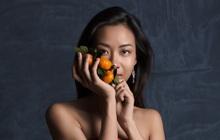 """Suboi mạo hiểm quay MV khi đang mang thai, lại còn tặng cam rất """"healthy and balance"""" cho loạt nghệ sĩ Việt để quảng bá lần cuối trước khi làm mẹ"""