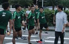 """Đối thủ của U22 Việt Nam tập luyện từ 5h sáng vì """"không muốn bị hoa hồng hút hết may mắn"""""""