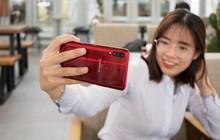 Chưa bao giờ nhu cầu có 3 camera sau trên smartphone tầm trung lại cao như bây giờ