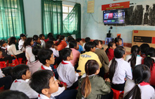 """""""Rạp phim trường em"""" tiếp tục hành trình thiện nguyện tại các trường tiểu học vùng sâu vùng xa"""