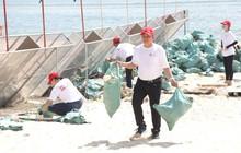 Dọn rác cứu biển – bảo vệ kho báu trước khi kiệt quệ