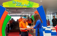 Học sinh xúc động nhận thư tay từ cô hiệu trưởng