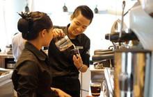 """Hành trình luyện """"vàng đen"""": từ hạt cà phê rang đến ly cà phê hảo hạng"""