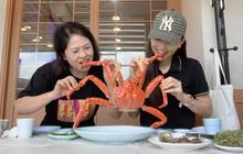 Đưa mẹ sang tận Hàn Quốc để ăn cua hoàng đế, ai có cô con gái như Á hậu Bùi Phương Nga quả là có phước quá chừng!