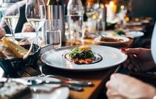 Các nhà hàng cấm khách mang đồ ăn thừa về là lãng phí, keo kiệt ư? Sai rồi, họ có lý cả đó!