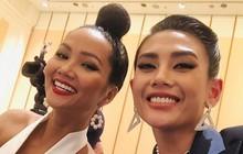 """Võ Hoàng Yến, H'Hen Niê mỗi người một vẻ, cùng tái hiện màn giới thiệu đỉnh cao hô vang hai tiếng """"Việt Nam"""" tại Miss Universe"""