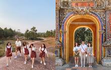 """Hội bạn thân nhà người ta: mỗi năm chỉ gặp nhau 1 lần, sau 17 năm cho ra đời bộ ảnh ở Huế vừa thơ vừa """"lạ"""" trông như chụp ở Hàn Quốc"""