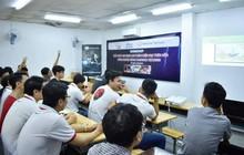 Bi hài chuyện hàng chục sinh viên thi liên thông đại học tại nhà trưởng phòng GD&ĐT huyện