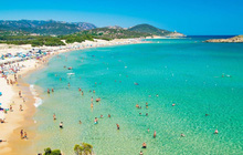 Lấy cát từ bãi biển Italy, cặp vợ chồng đối mặt với 6 năm tù
