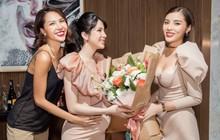 Diệp Lâm Anh khệ nệ bụng bầu ở tháng thứ 6 thai kỳ trong tiệc sinh nhật, Kỳ Duyên trễ nải cùng Minh Triệu đến chung vui