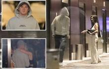 """""""Phốt"""" căng: Đi đá bóng xa vợ, huyền thoại MU lén lút ôm ấp rồi vào chung thang máy khách sạn cùng gái lạ"""