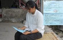 Điều kỳ diệu xuất hiện khi nữ sinh nghèo định cất giấy báo nhập học do mẹ bị ung thư