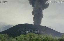 Nhật Bản phát cảnh báo nguy hiểm do núi lửa Asama phun trào