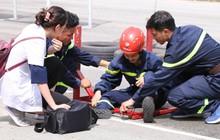Mỹ nhân hành động: Trương Quỳnh Anh ngã đau đớn khi chạy vượt rào