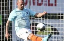 """Huyền thoại bóng đá Hà Lan phát phì chỉ sau 13 ngày giải nghệ, fan ngán ngẩm: """"Dường như mỗi ngày anh ấy tăng thêm một cân"""""""