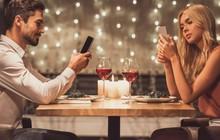 """10 gương mặt Tinder độc thân quyến rũ nhất tại Anh Quốc: Bí quyết """"làm quen"""" hiệu quả của họ là gì?"""