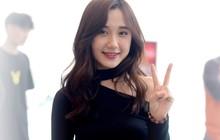 """Ngắm trọn bộ nhan sắc xinh đẹp, dễ thương của """"cô giáo"""" Mina Young trong ngày chung kết VCS mùa Hè"""