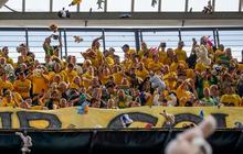 Hành động cổ vũ đầy tính nhân văn và đáng học hỏi của đội bóng ở giải Hà Lan