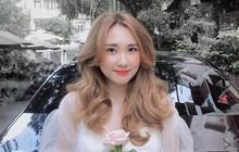 """Bạn gái cũ thủ môn Bùi Tiến Dũng bất ngờ xuất hiện trên báo Trung, được khen """"xinh kiểu em gái nhà bên"""""""