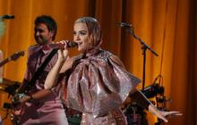 """Khổ thân thực sự: Katy Perry càng quảng bá cho ca khúc, """"Small Talk"""" lại càng... flop!"""