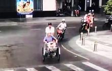 """2 nữ du khách nước ngoài bị tài xế xích lô """"chặt chém"""" gần 2 triệu đồng ở trung tâm Sài Gòn"""