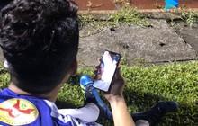 Vừa ghi bàn giúp Hà Nội FC lên ngôi vô địch, Thành Chung liền gọi điện chung vui cùng Văn Hậu đang ở Hà Lan xa xôi