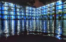 Trường bị mưa ngập nước nhưng vô tình tạo nên khung cảnh đẹp như Long Cung, nhìn thôi đã thấy mê rồi