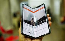 """Siêu phẩm màn hình gập Galaxy Fold duy nhất của Việt Nam: Độ chảnh ăn đứt iPhone 11, nhưng giá thì """"trời ơi..."""""""